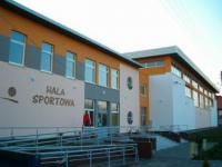 Hala sportowa - wejście